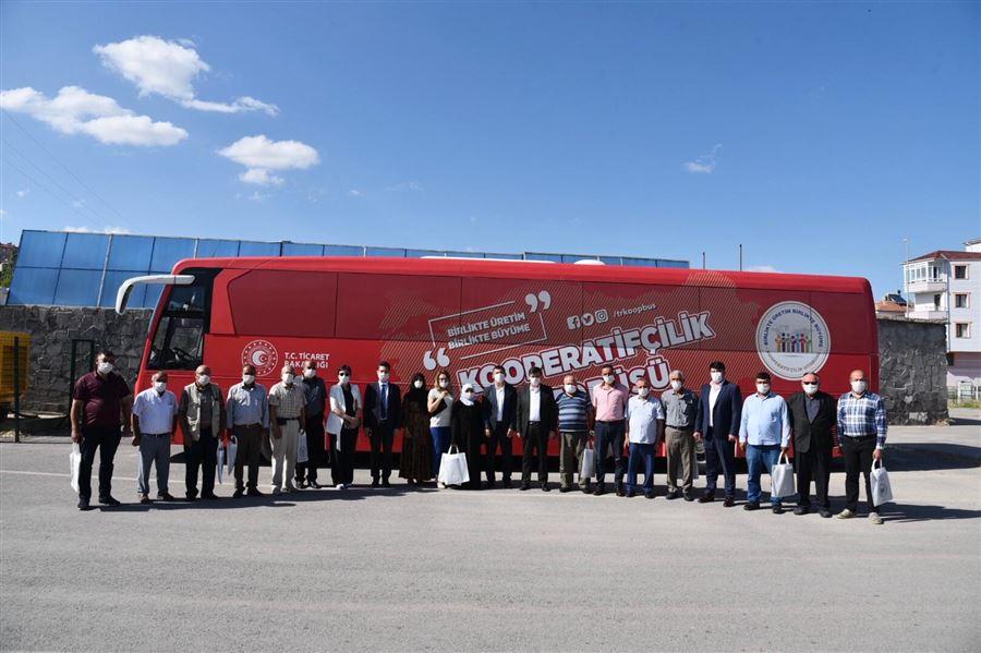 Kooperatifçilik Otobüsü Kayseri'nin İlçelerini Ziyaret Ediyor.